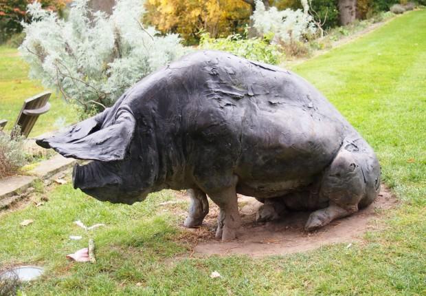 The Pig Brockenhurst Pig Statue